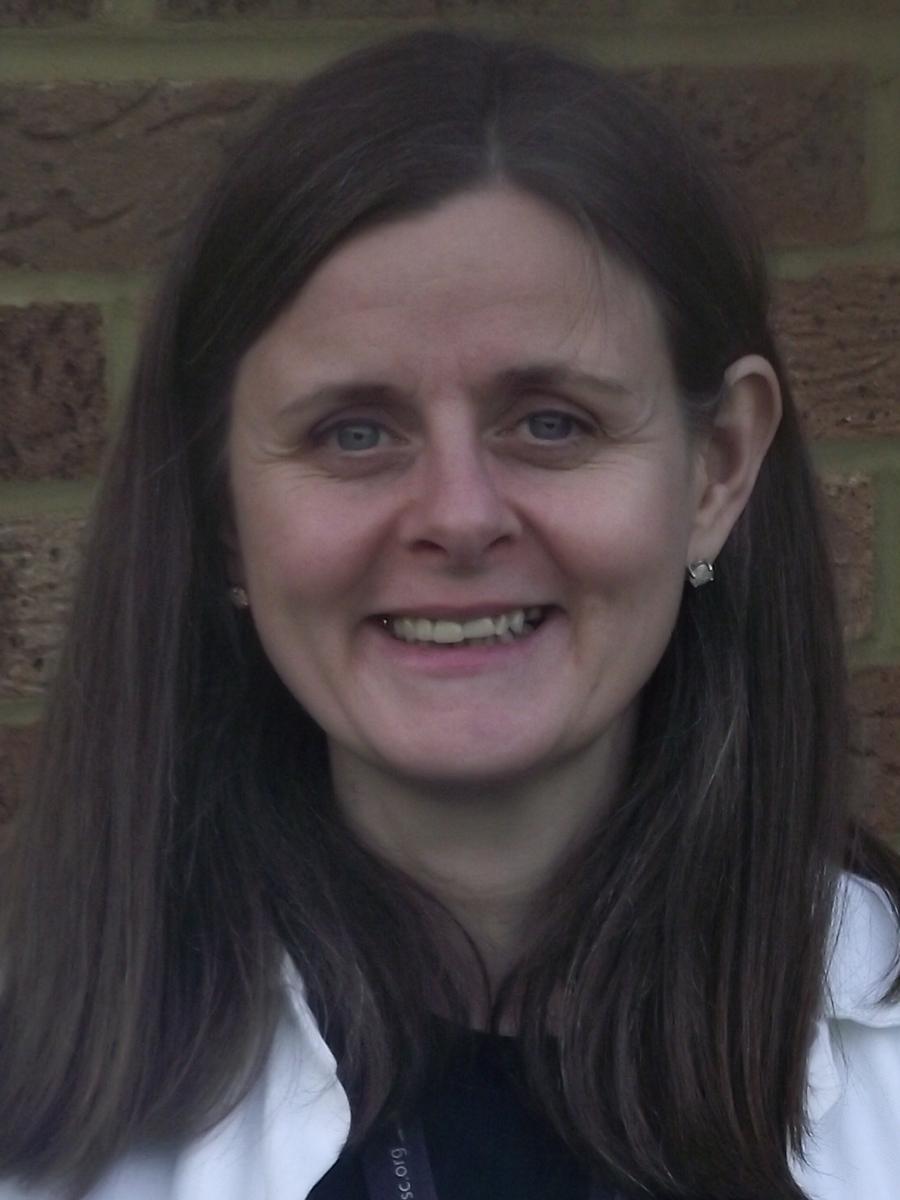 Mrs Naomi Hennah