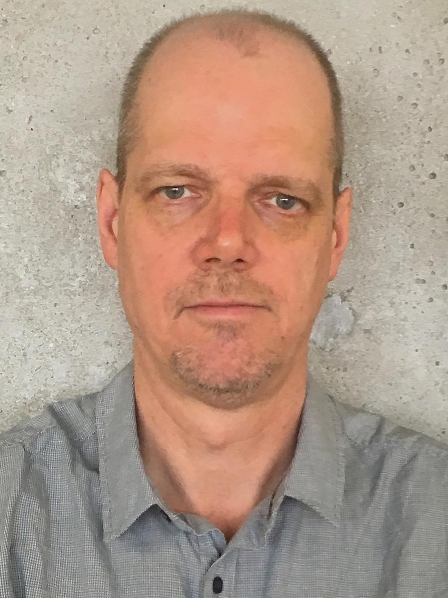 Professor Warren Piers