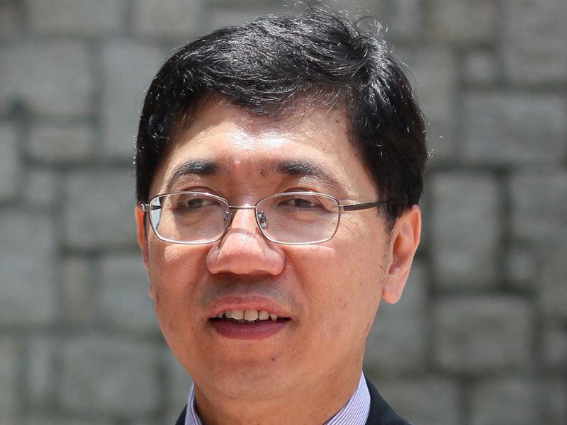 Chi-Ming Che